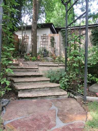 Stone Landscaper contractor in Leaside